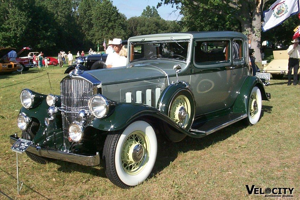 1932 Pierce-Arrow Model 54 Club Brougham