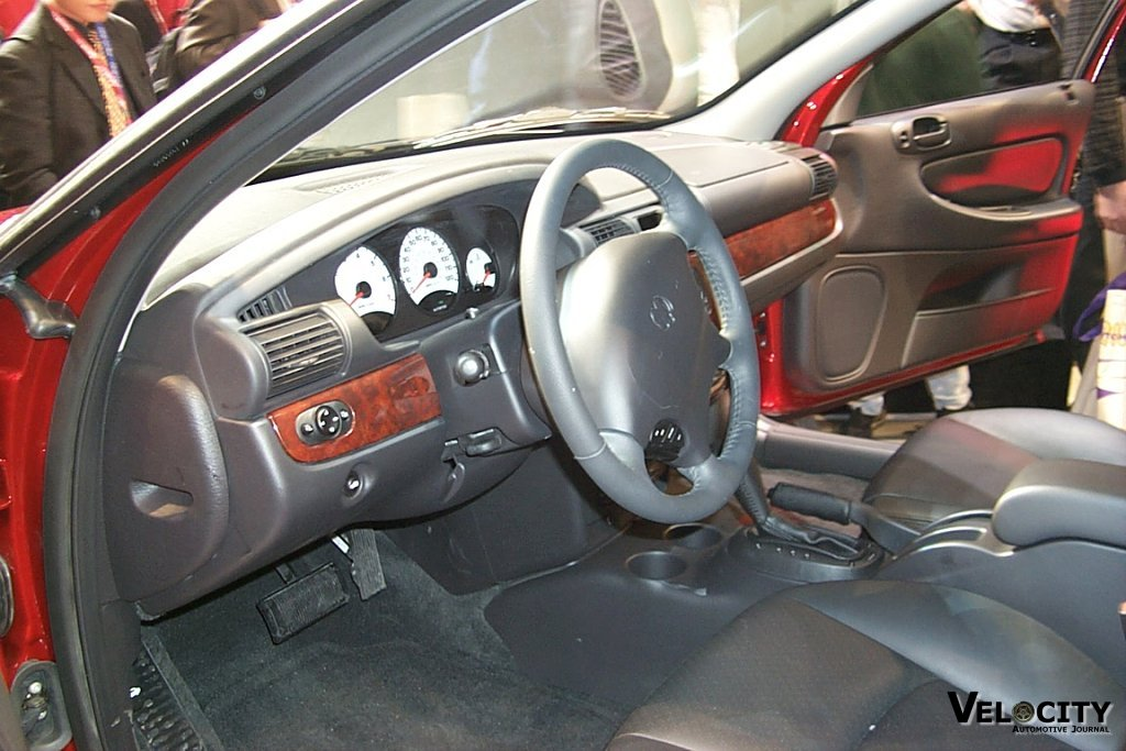 2001 Dodge Stratus Sedan interior