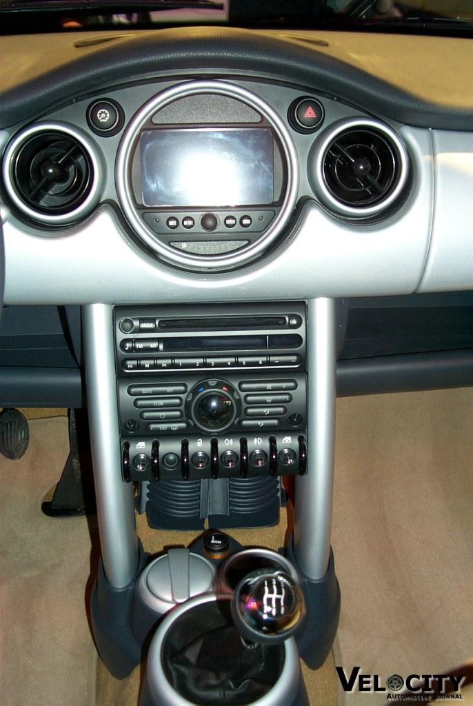 2002 Mini Cooper instrumentation