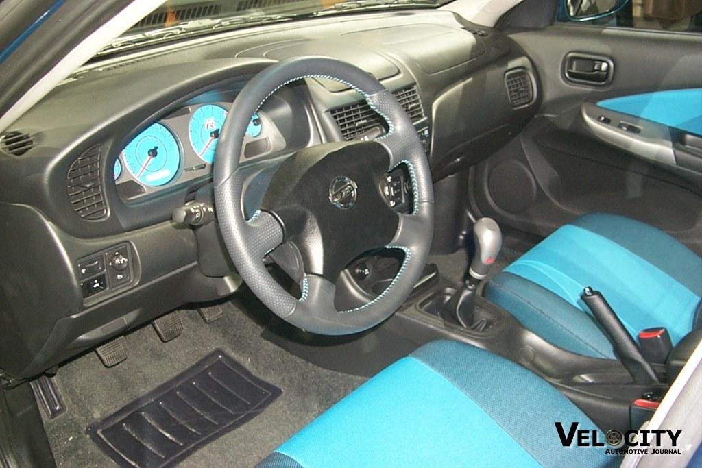 2002 Nissan Sentra SE-R interior