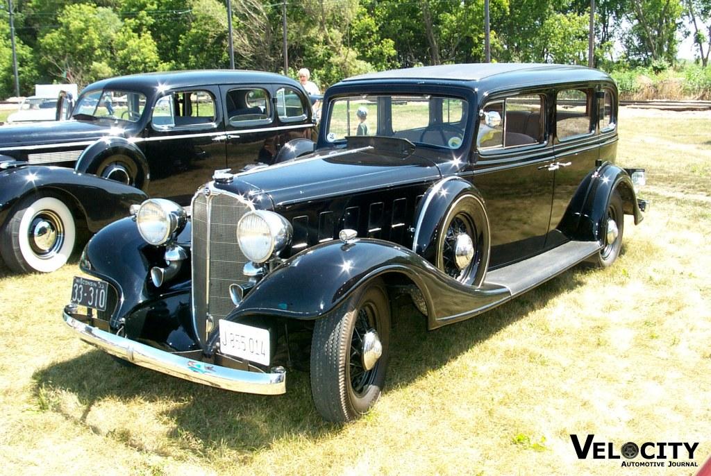 1933 Buick 4-door