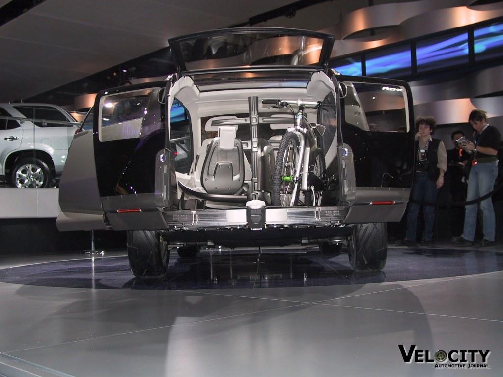 2002 Acura RD-X concept cargo area