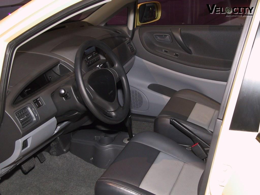 2003 Suzuki Aerio SX interior