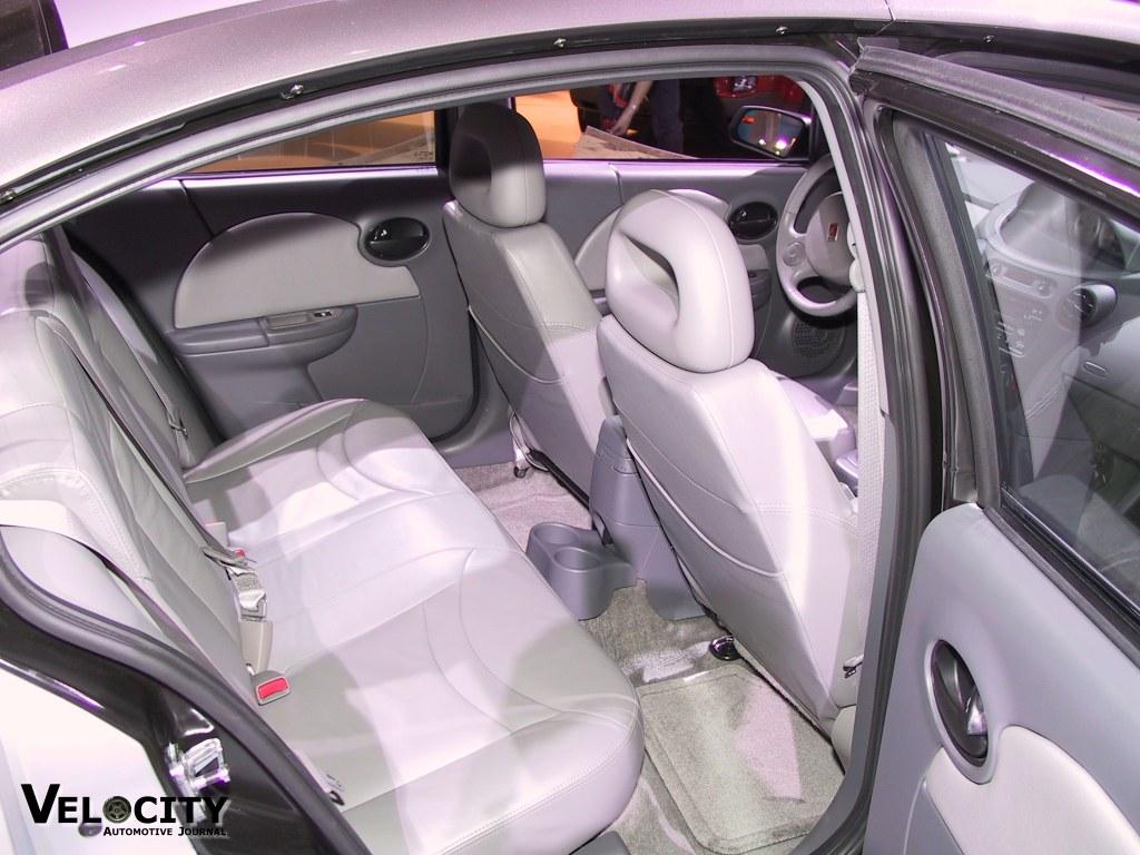 2003 Saturn ION sedan interior