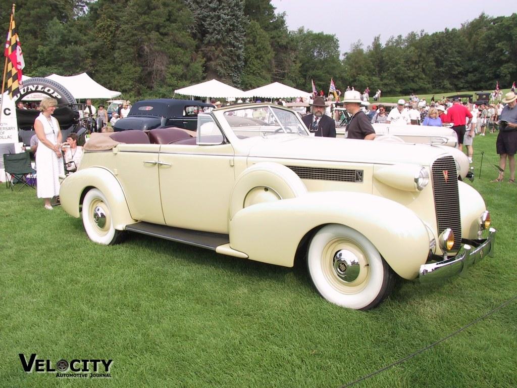 1937 Cadillac Model 6049 Convertible sedan