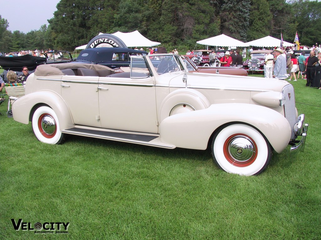 1937 Cadillac Series 70 Fleetwood Convertible Sedan