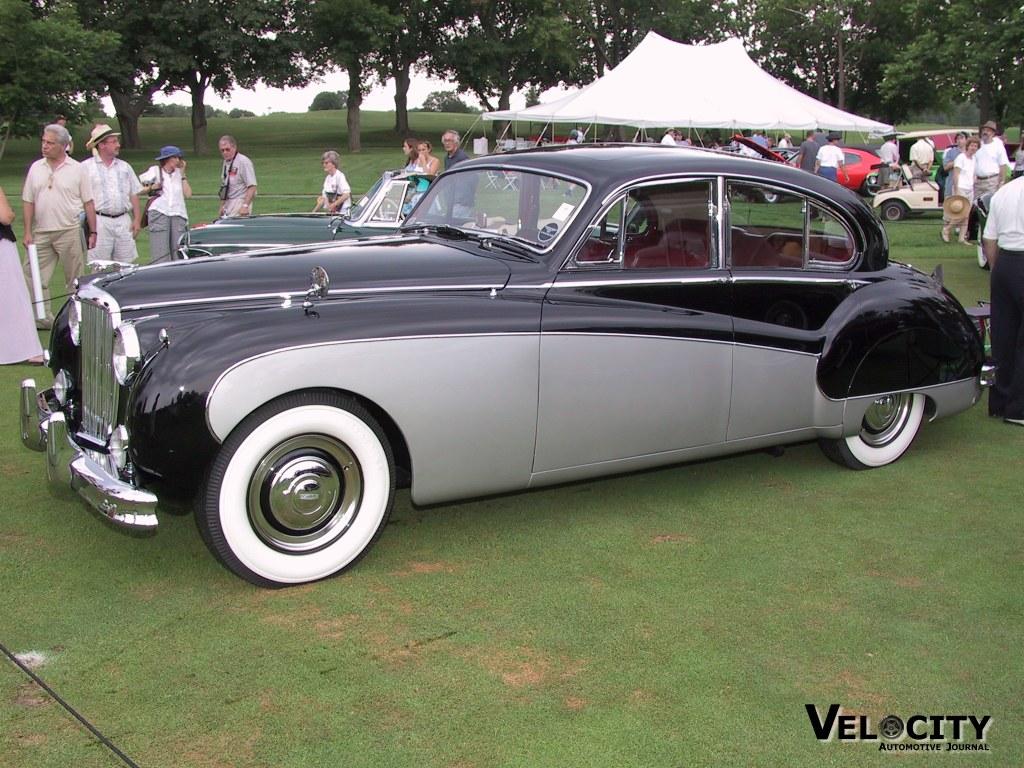 1959 Jaguar Mark IX Sedan