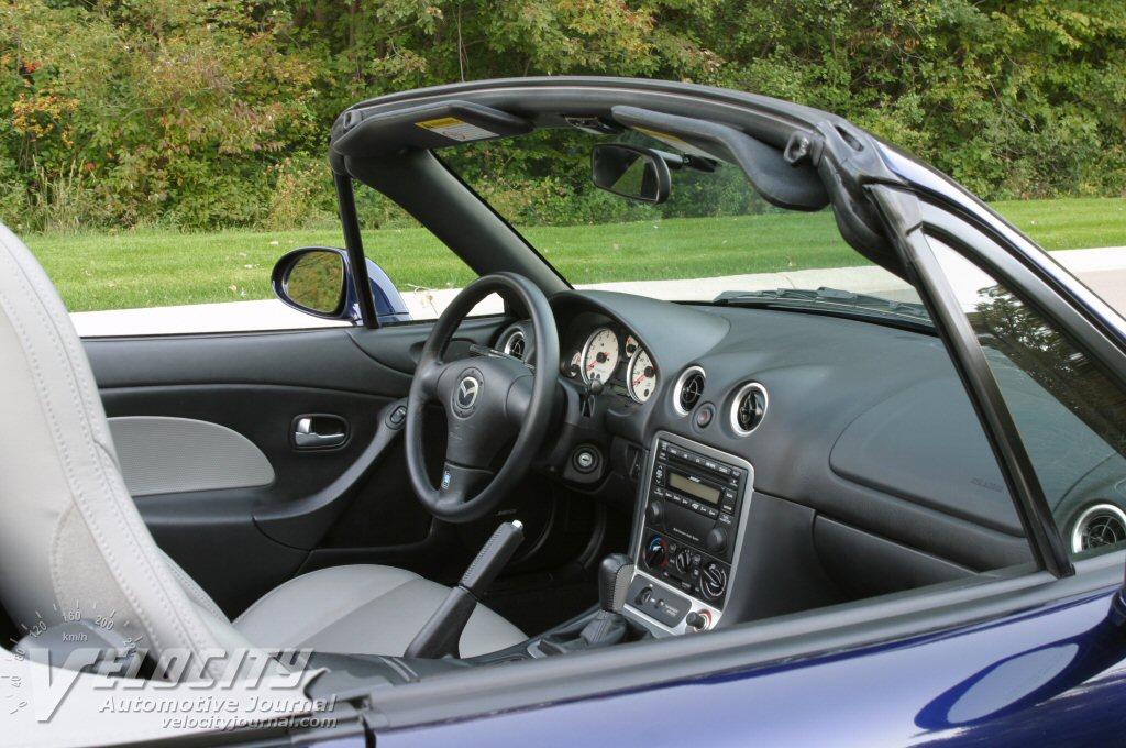 2003 Mazda Miata Interior