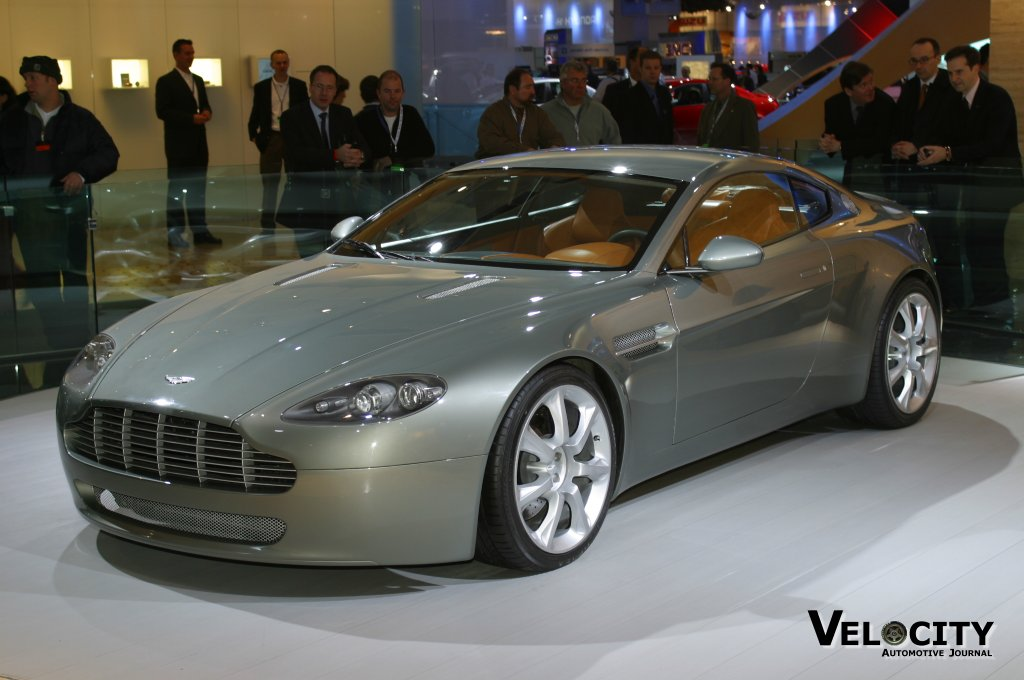 auto entertaintment and lifestyle 2003 aston martin amv8 concept car. Black Bedroom Furniture Sets. Home Design Ideas