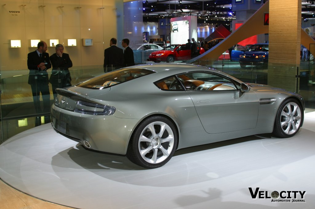 aston martin amv8 vantage wallpapers shine cars pictures. Black Bedroom Furniture Sets. Home Design Ideas