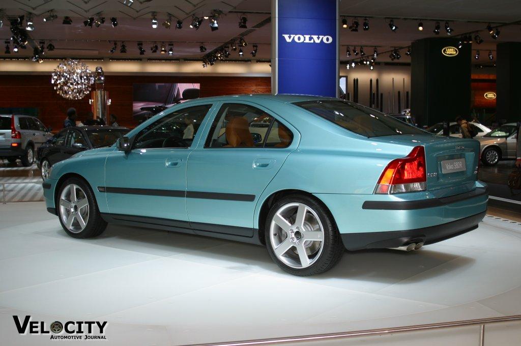 2004 Volvo S60 R