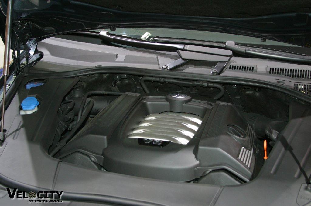 2004 Volkswagen Toureg engine