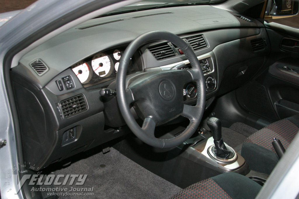 2004 Mitsubishi Lancer Ralliart interior