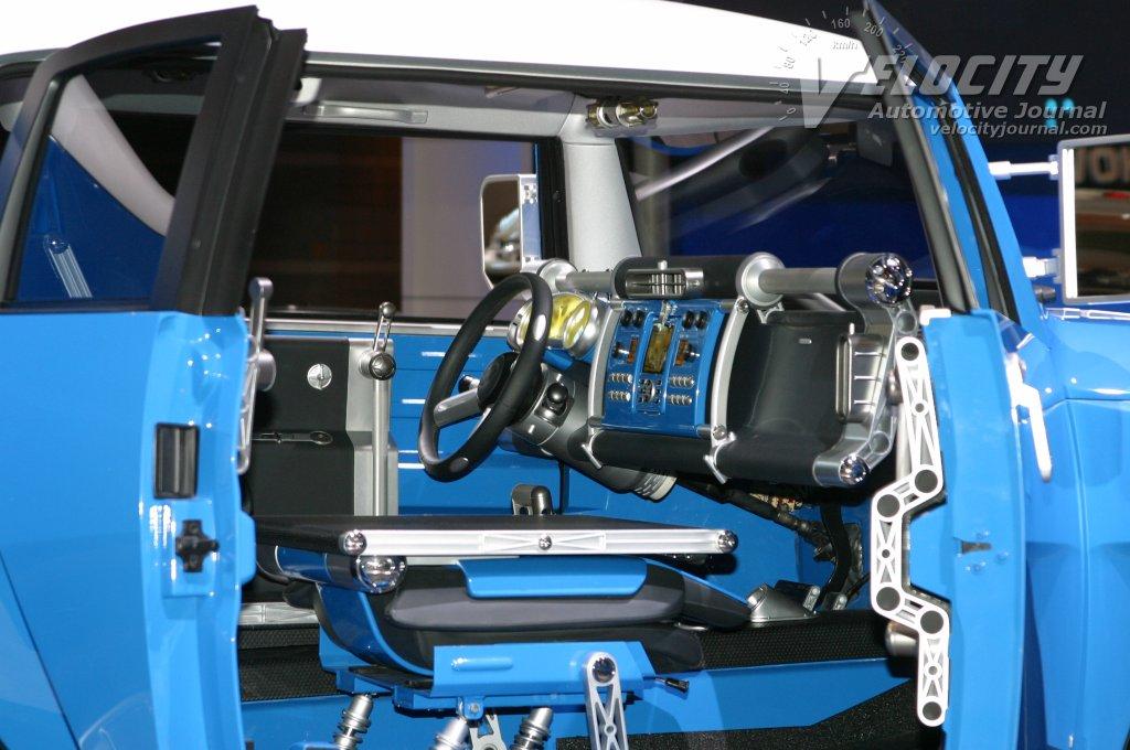 2003 Toyota FJ Cruiser concept interior