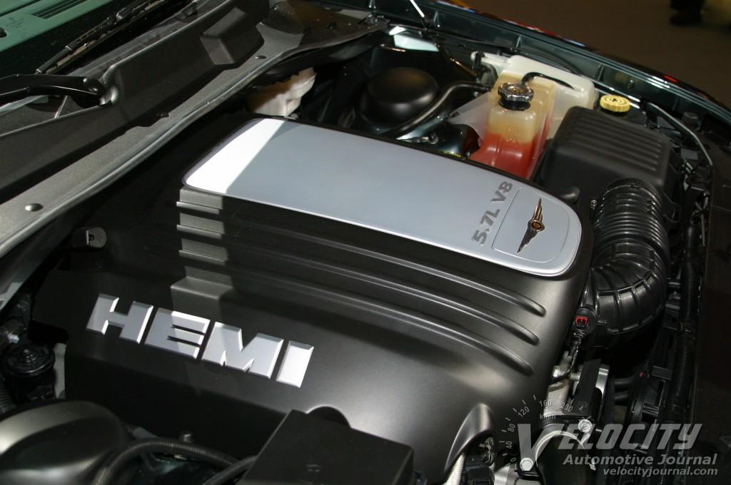 2003 Chrysler 300C concept engine