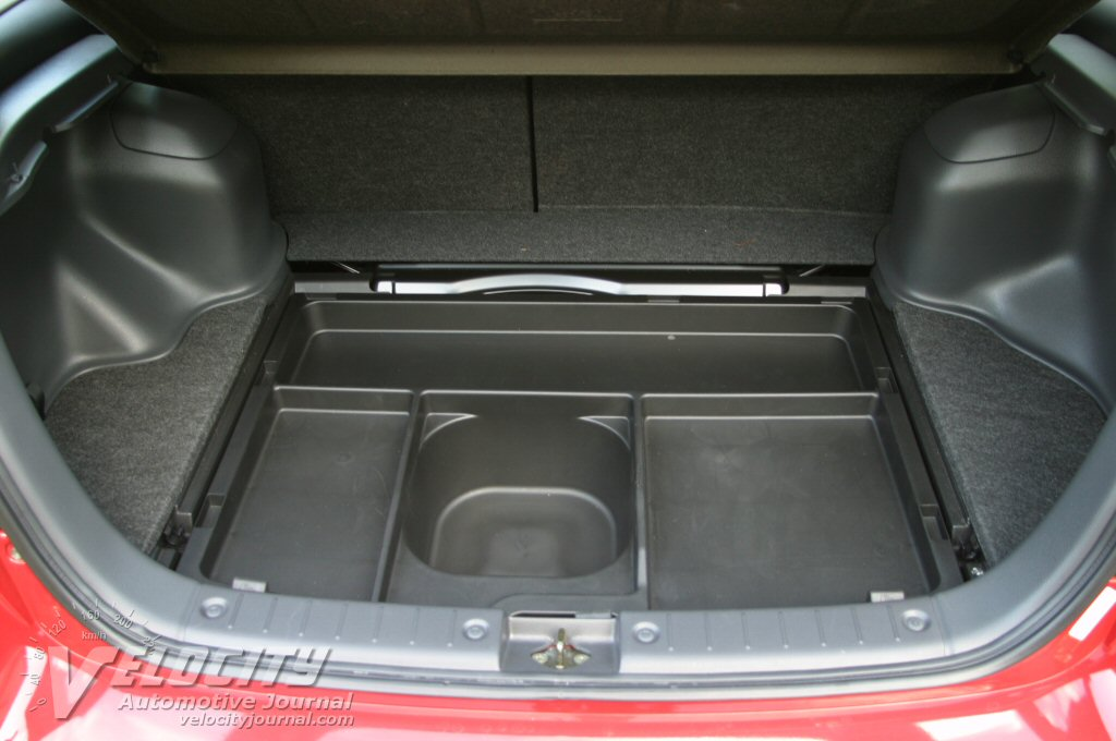 2003 Suzuki Aerio SX cargo area