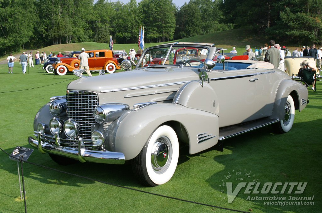 1940 Cadillac Convertible Coupe