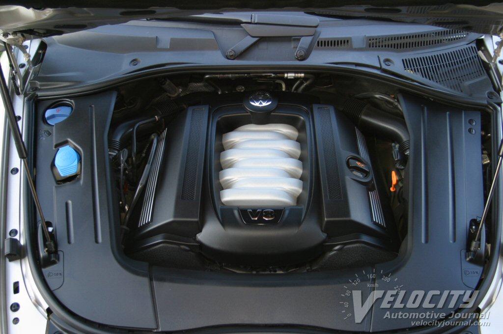 2004 Volkswagen Touareg V8 engine