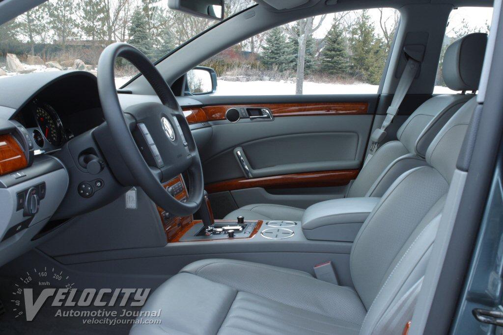 2004 Volkswagen Phaeton Interior