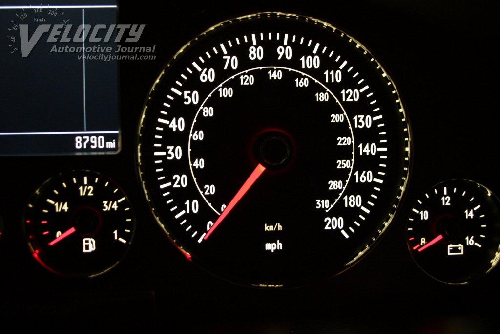2004 Volkswagen Phaeton Instrumentation