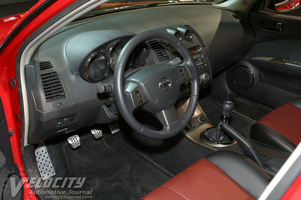 2005 Nissan Altima SE-R Instrumentation