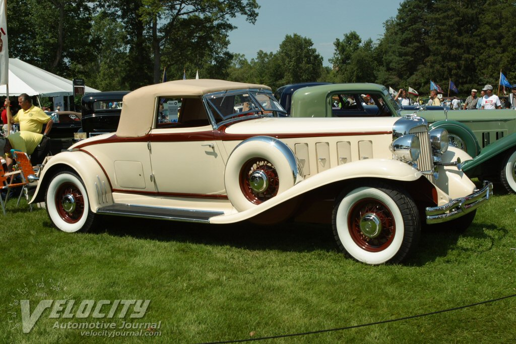 1932 Chrysler Imperial Roadster