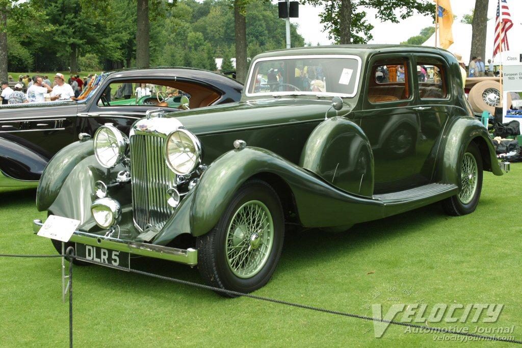 1938 Lagonda 4-door saloon