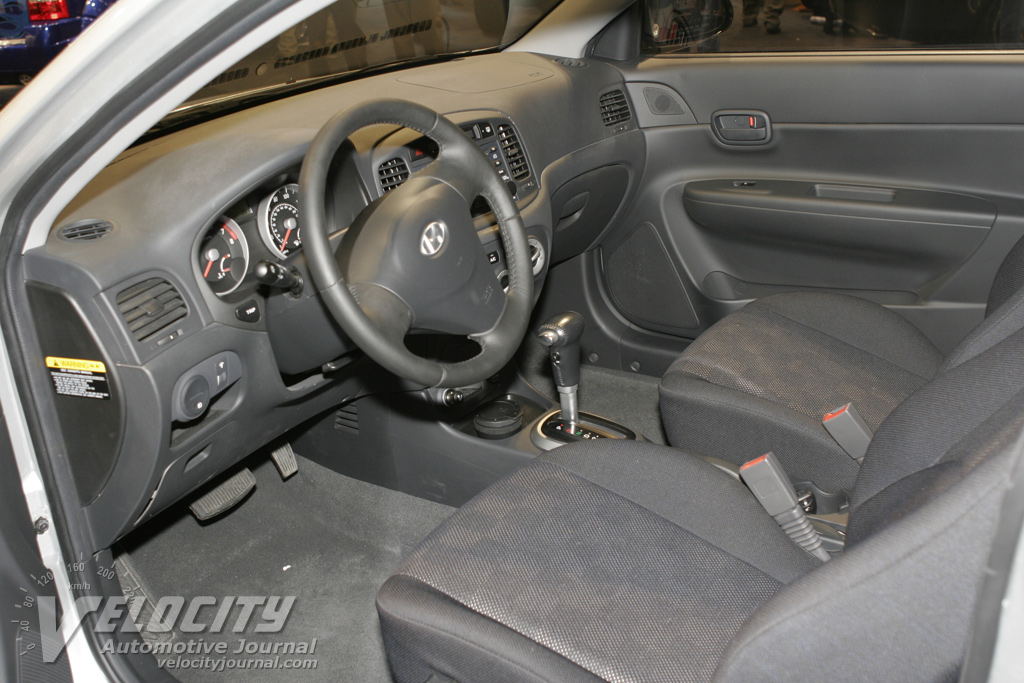2007 Hyundai Accent 3d Interior