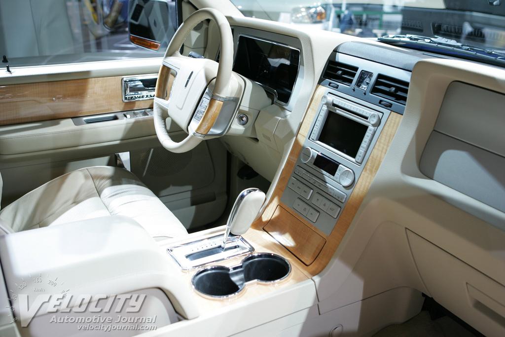 2007 Lincoln Navigator Interior
