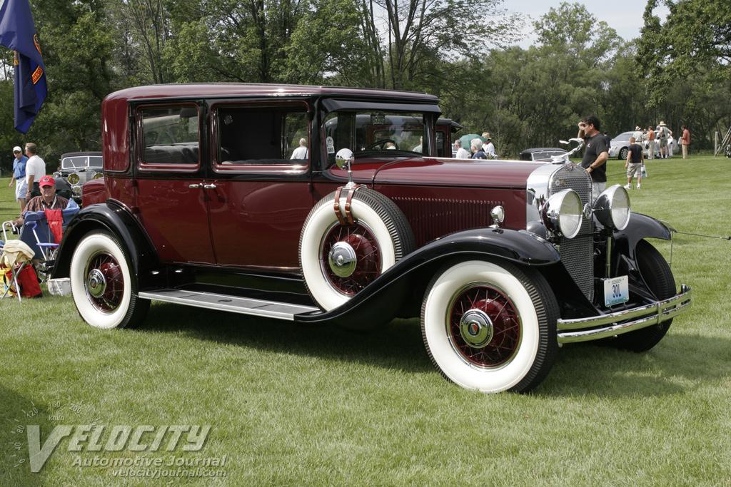 1930 LaSalle Town Sedan