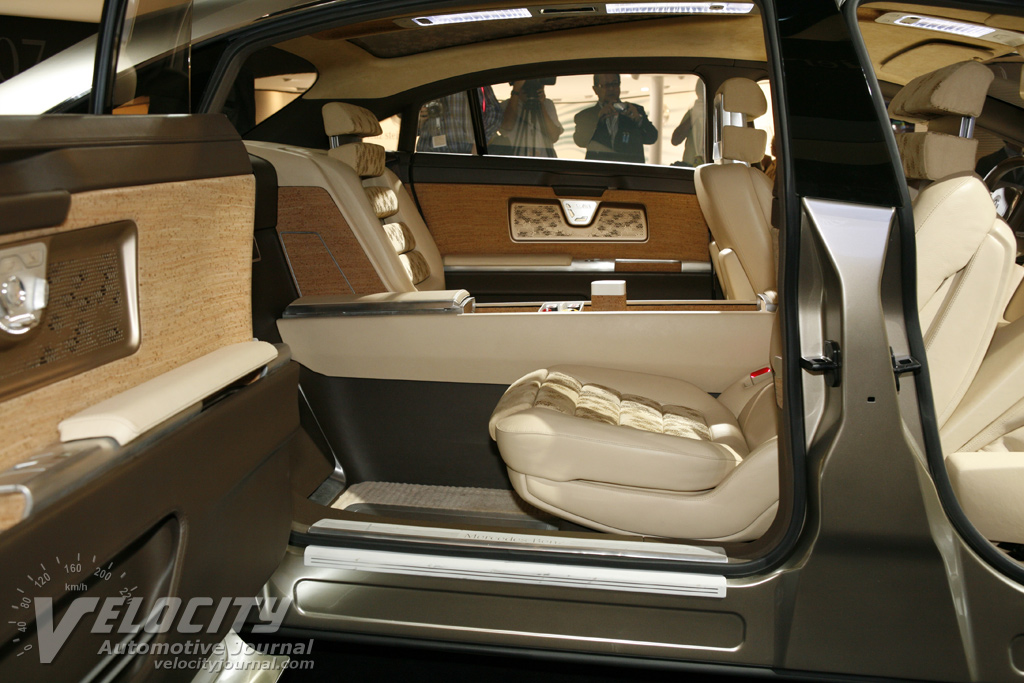 mercedes benz f700 specifications. Black Bedroom Furniture Sets. Home Design Ideas