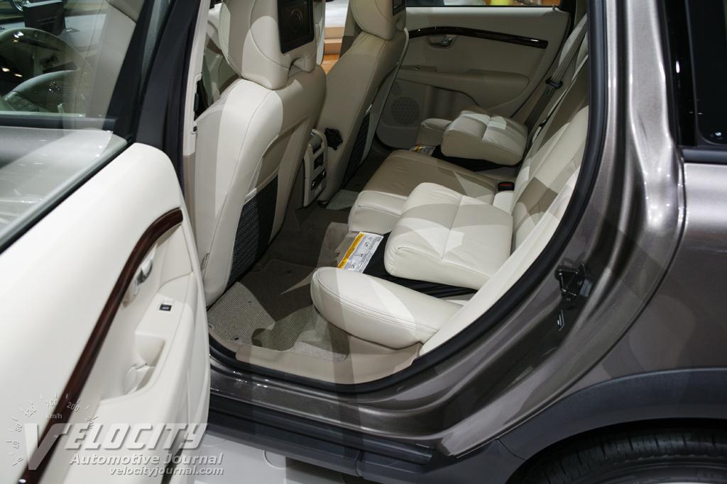 2008 Volvo V70 Interior