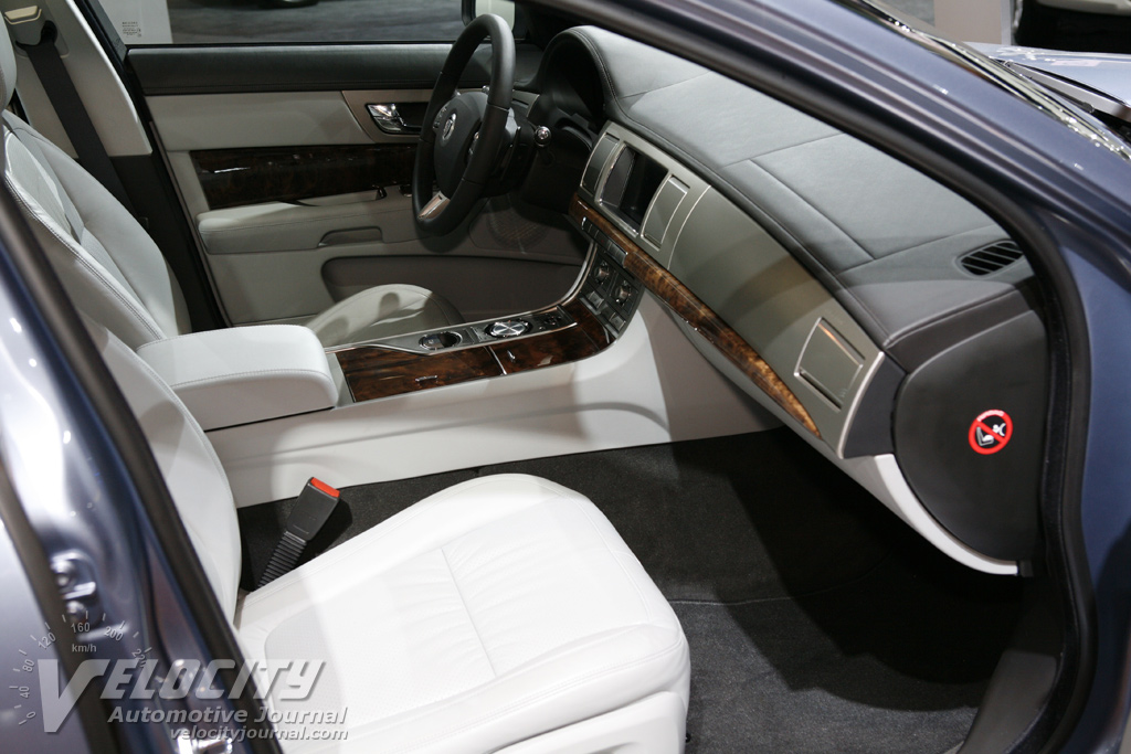 2009 Jaguar XF Interior