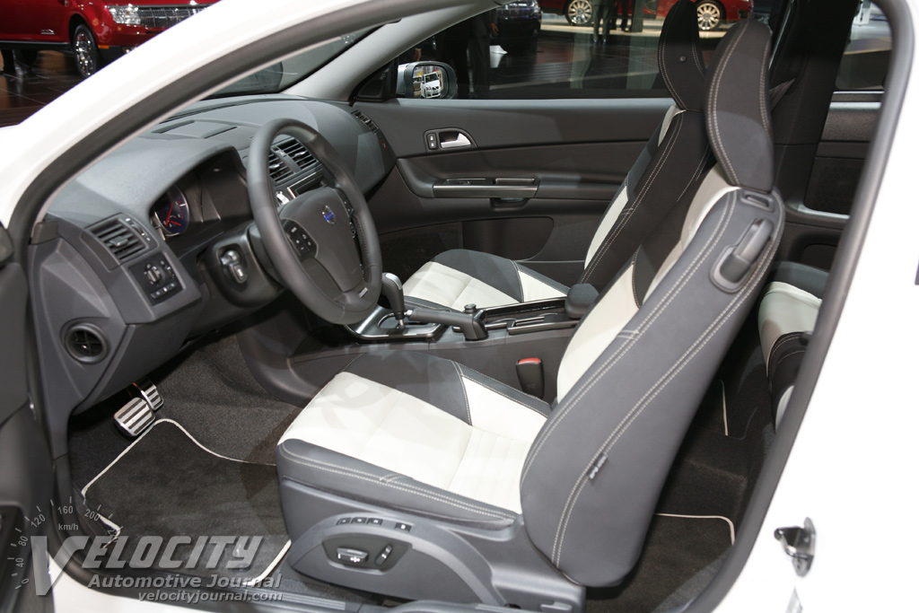 2009 Volvo C30 R-Design Interior