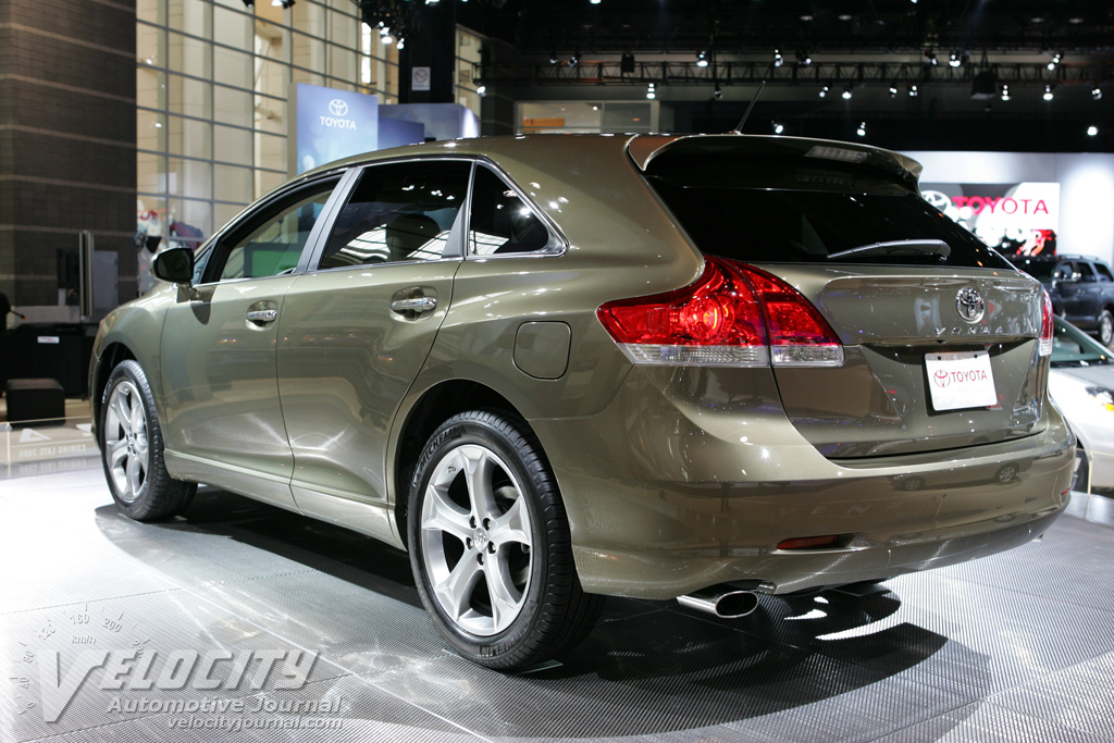 2009 Toyota Venza Pictures