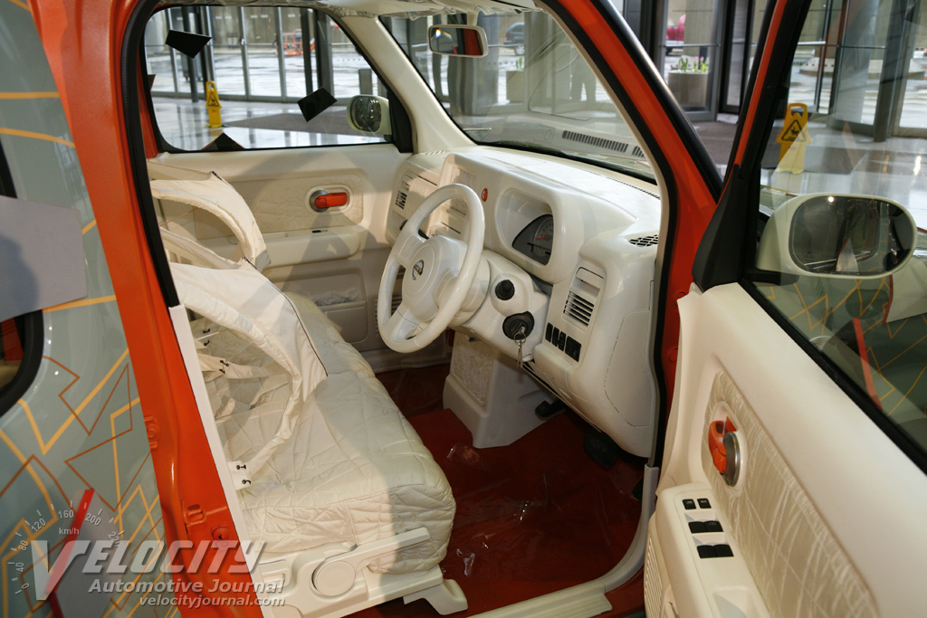 2008 Nissan Cube Quaze Art Car Interior