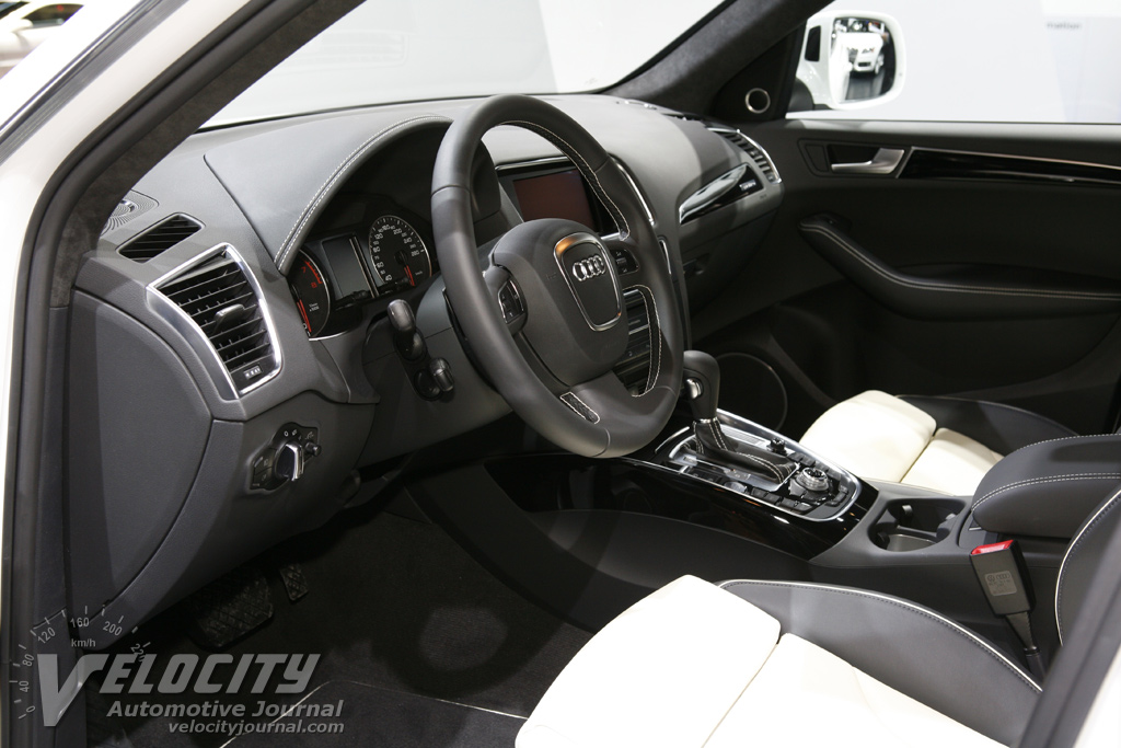 2009 Audi Q5 Interior