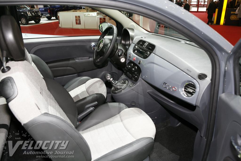 2010 Fiat 500 C Interior