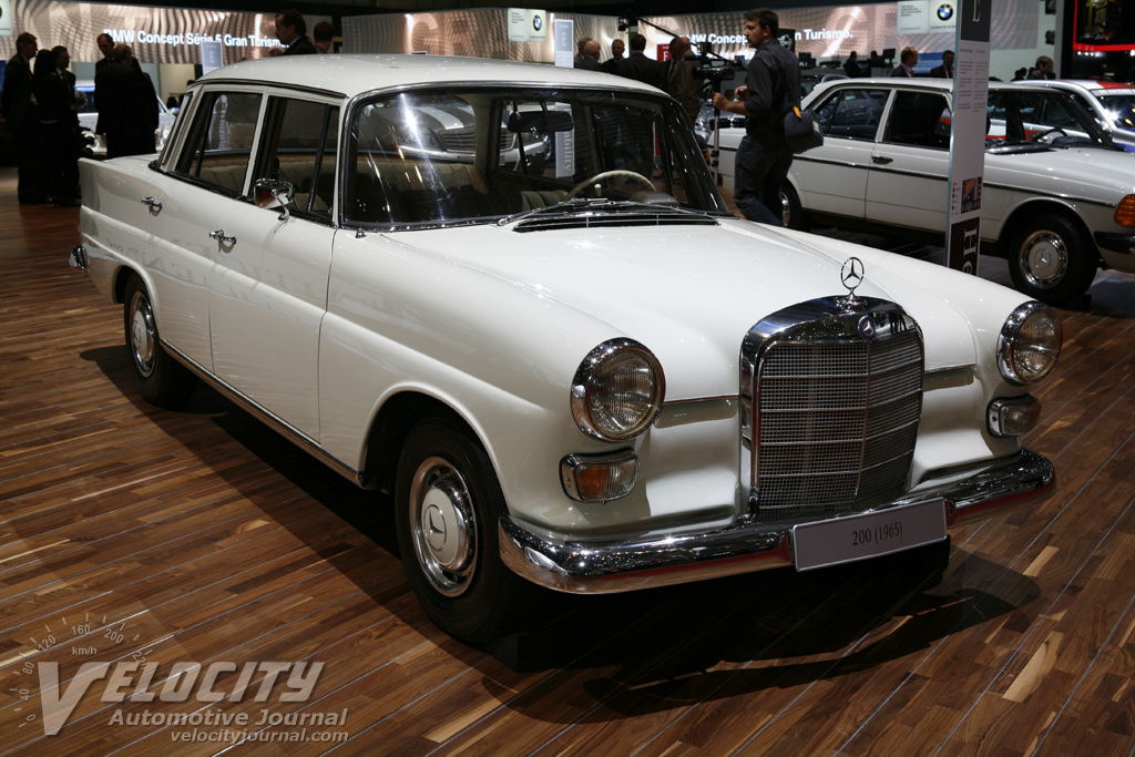 1965 Mercedes-Benz 200 Sedan