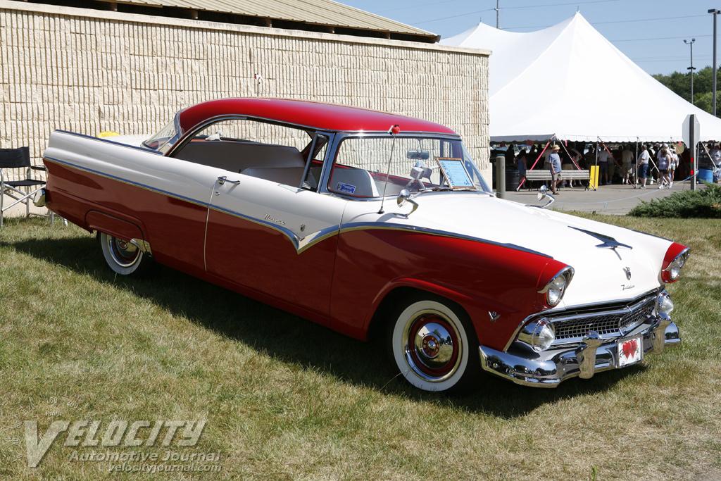 1956 Ford Fairlane 2-door Victoria