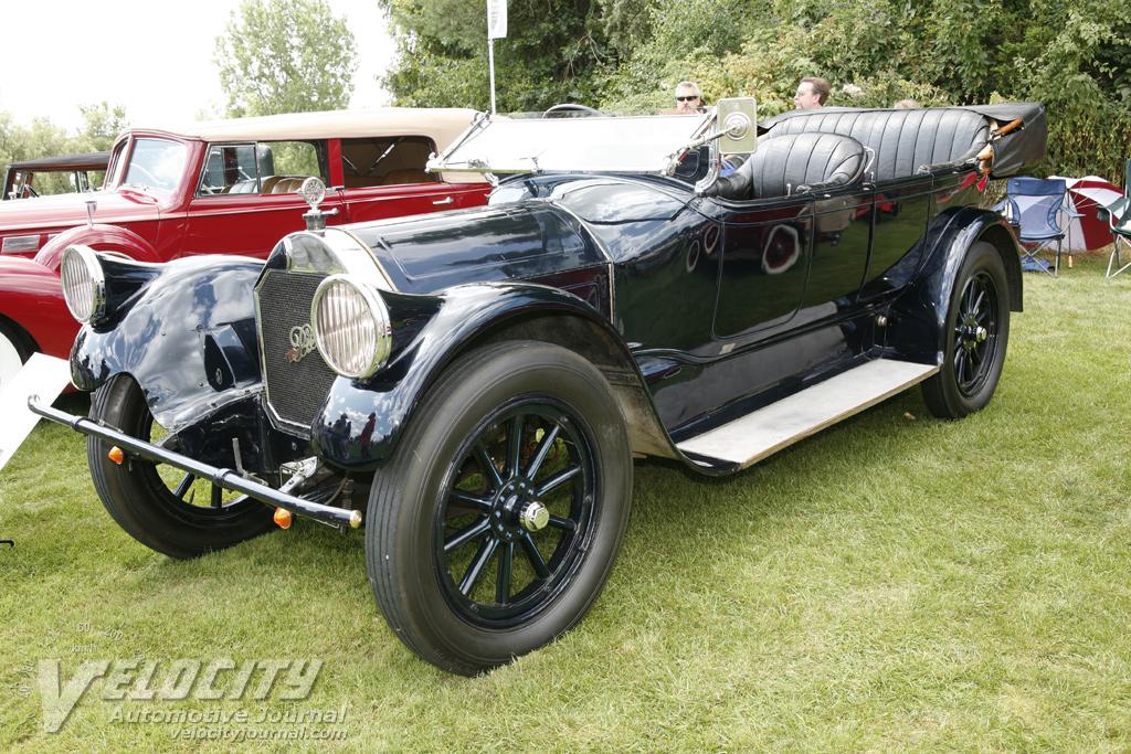 1919 Pierce-Arrow 31 touring