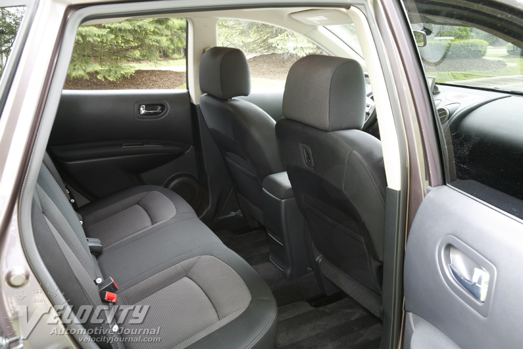 2009 Nissan Rogue SL Interior