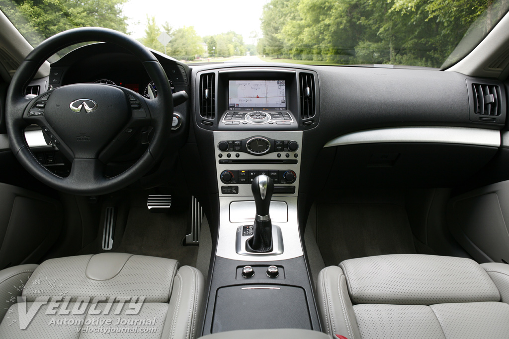 2009 Infiniti G Coupe Instrumentation