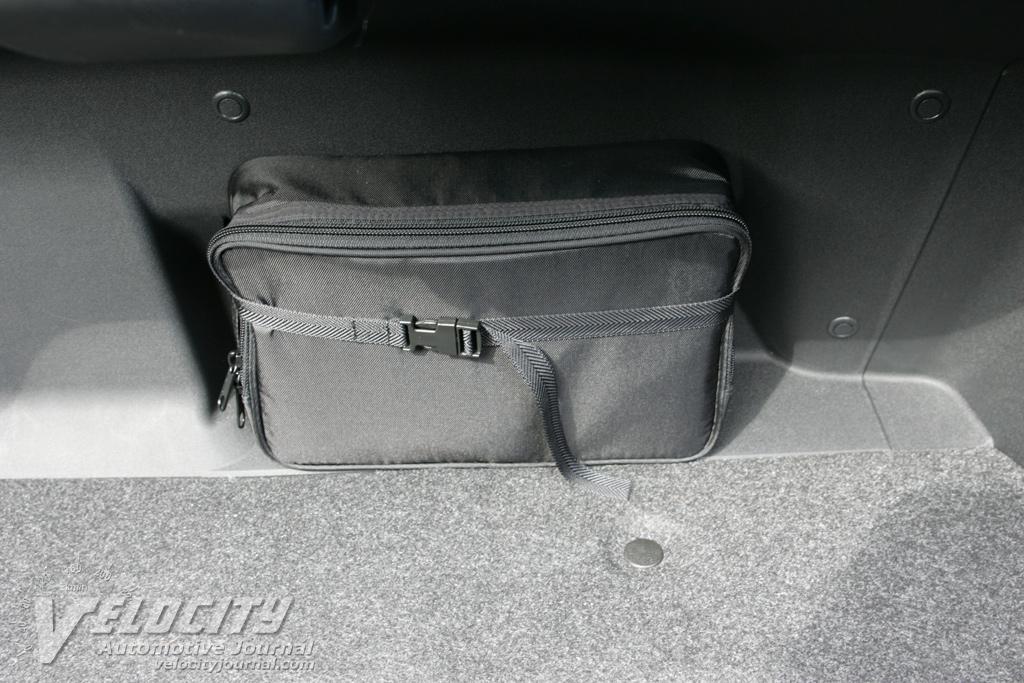 2009 Mazda MX-5 Grand Touring PRHT fix a flat kit