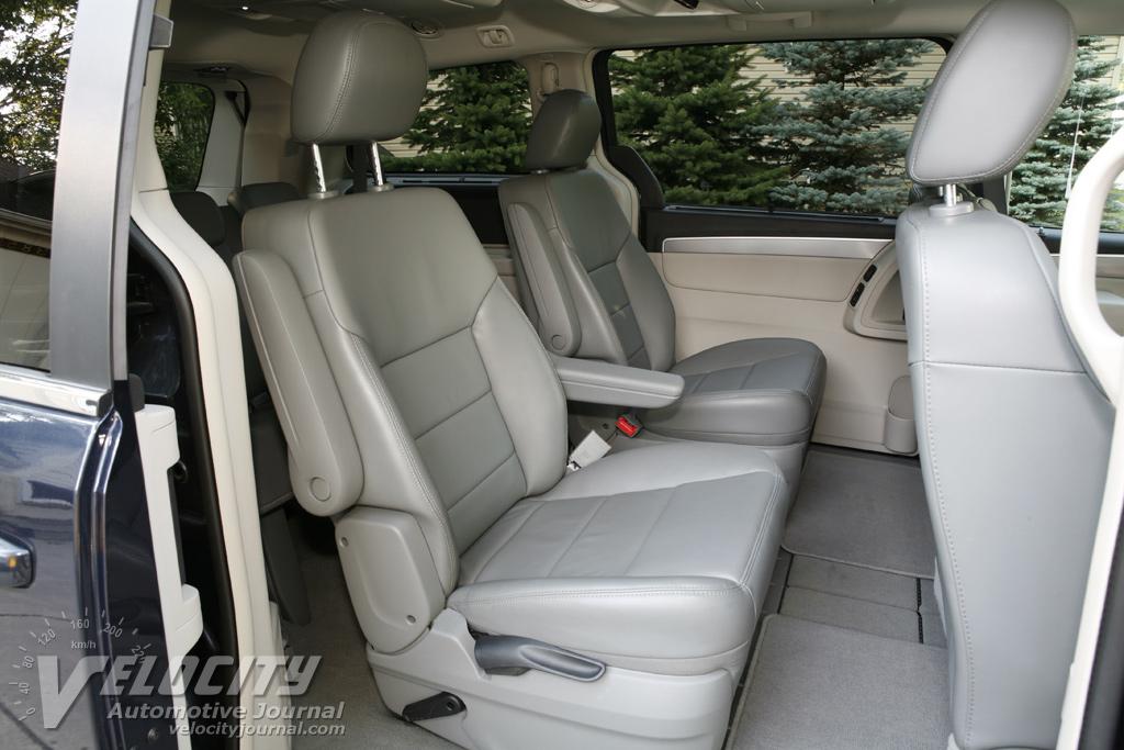2009 Volkswagen Routan Interior