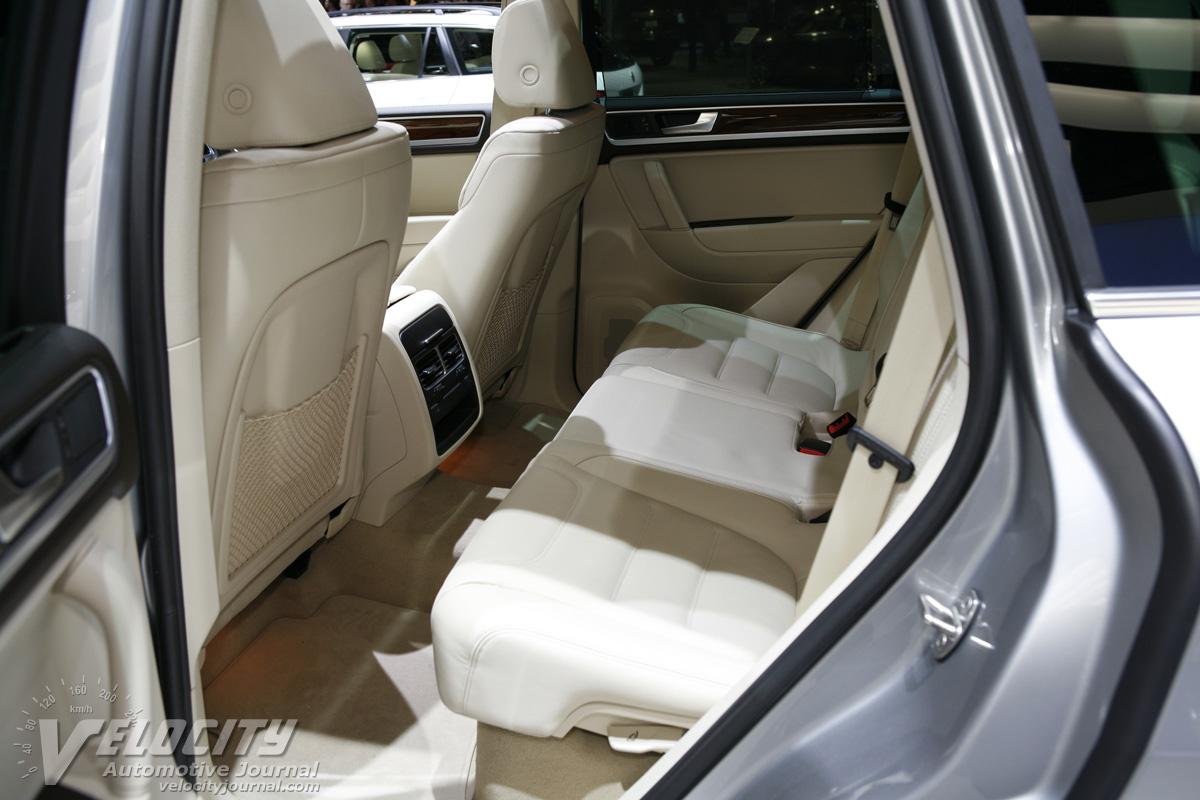 2011 Volkswagen Touareg Hybrid Interior