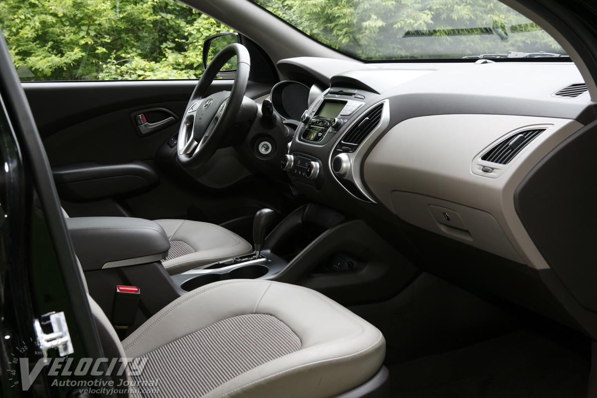 2010 Hyundai Tucson GLS Interior