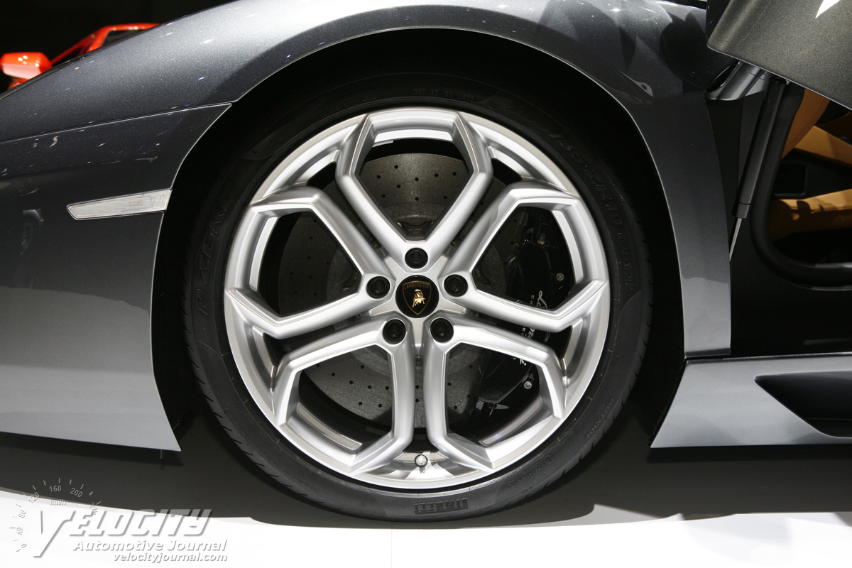 2012 Lamborghini Aventador Wheel