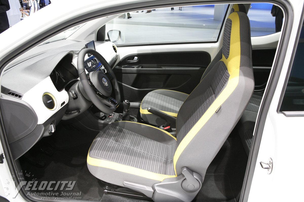 2011 Volkswagen eco up Interior