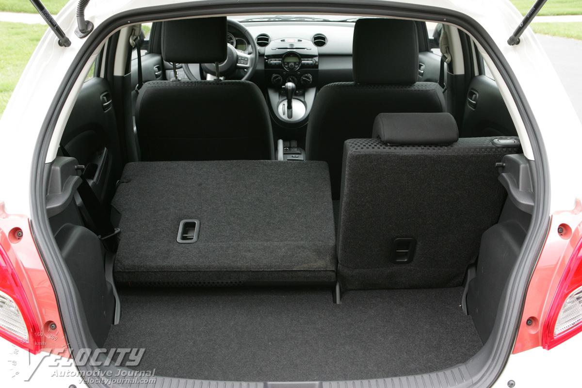 2011 Mazda MAZDA2 cargo area
